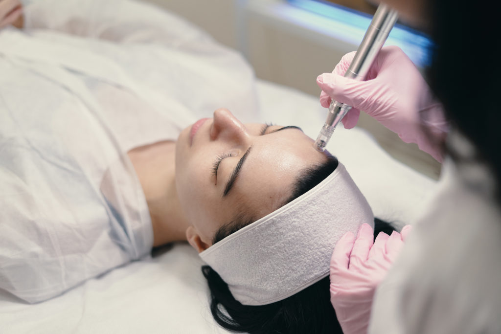 Microdermabrasion With Skin Exfoliation And Suction